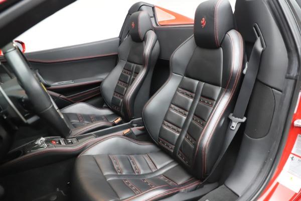Used 2015 Ferrari 458 Spider for sale $235,900 at Aston Martin of Greenwich in Greenwich CT 06830 22