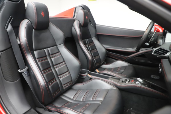 Used 2015 Ferrari 458 Spider for sale $235,900 at Aston Martin of Greenwich in Greenwich CT 06830 25