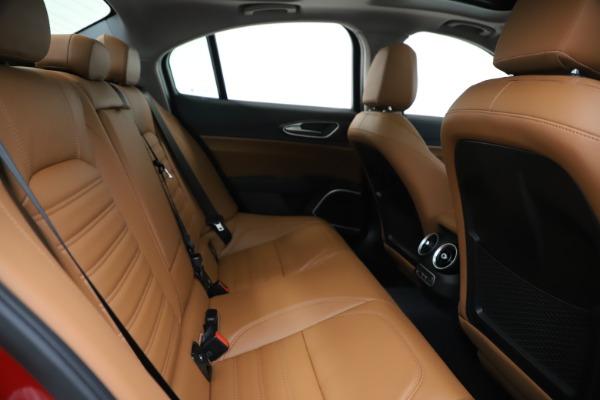 New 2019 Alfa Romeo Giulia Ti Lusso Q4 for sale Sold at Aston Martin of Greenwich in Greenwich CT 06830 27