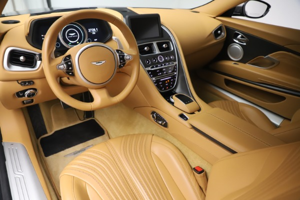 Used 2017 Aston Martin DB11 V12 Coupe for sale $149,990 at Aston Martin of Greenwich in Greenwich CT 06830 14