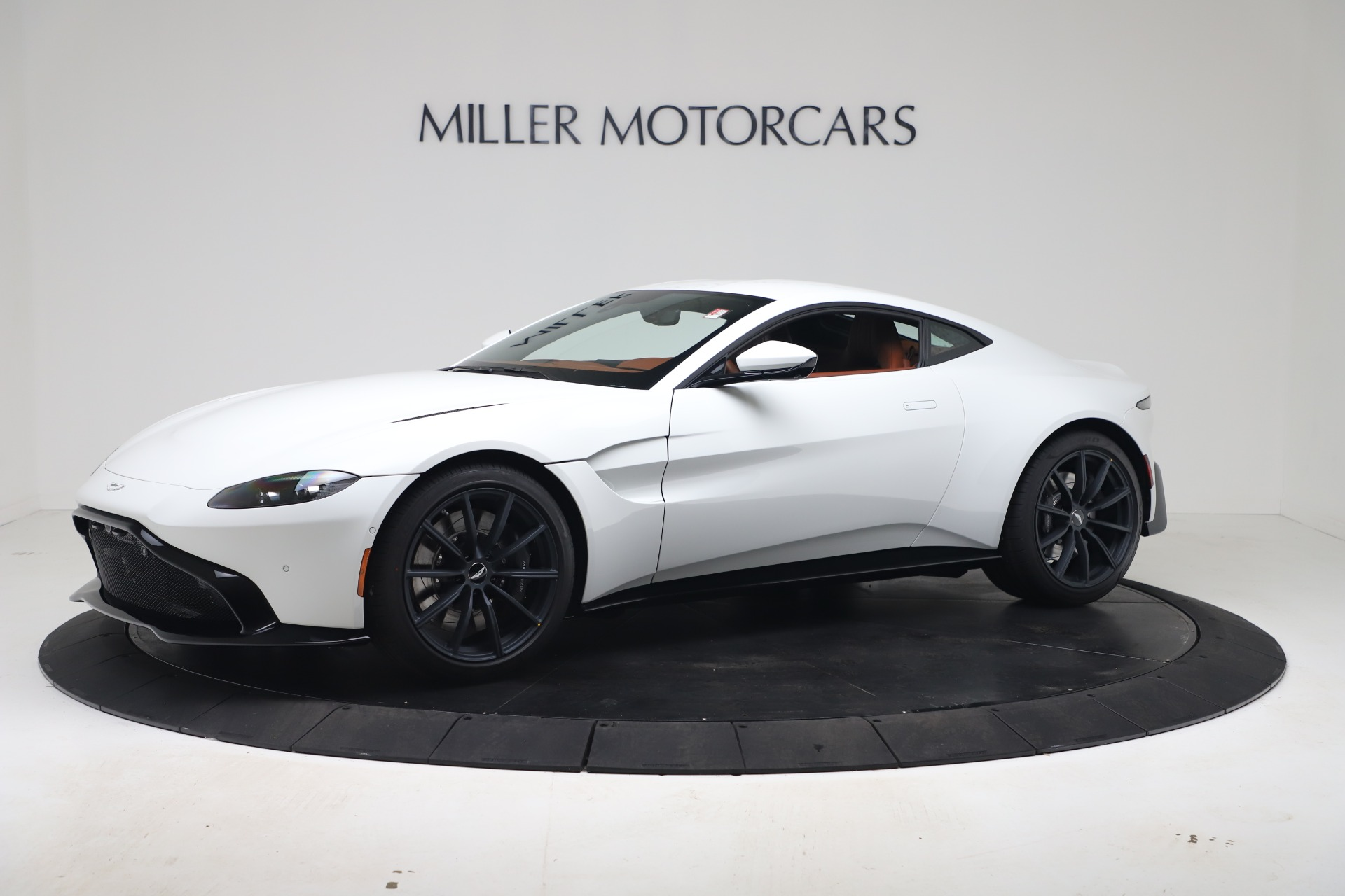 New 2020 Aston Martin Vantage Coupe for sale $190,259 at Aston Martin of Greenwich in Greenwich CT 06830 1