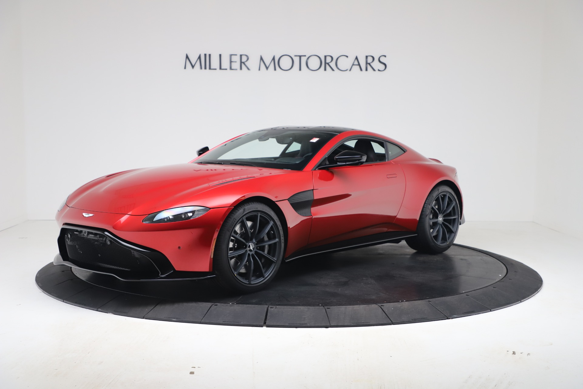 New 2020 Aston Martin Vantage Coupe for sale $195,089 at Aston Martin of Greenwich in Greenwich CT 06830 1