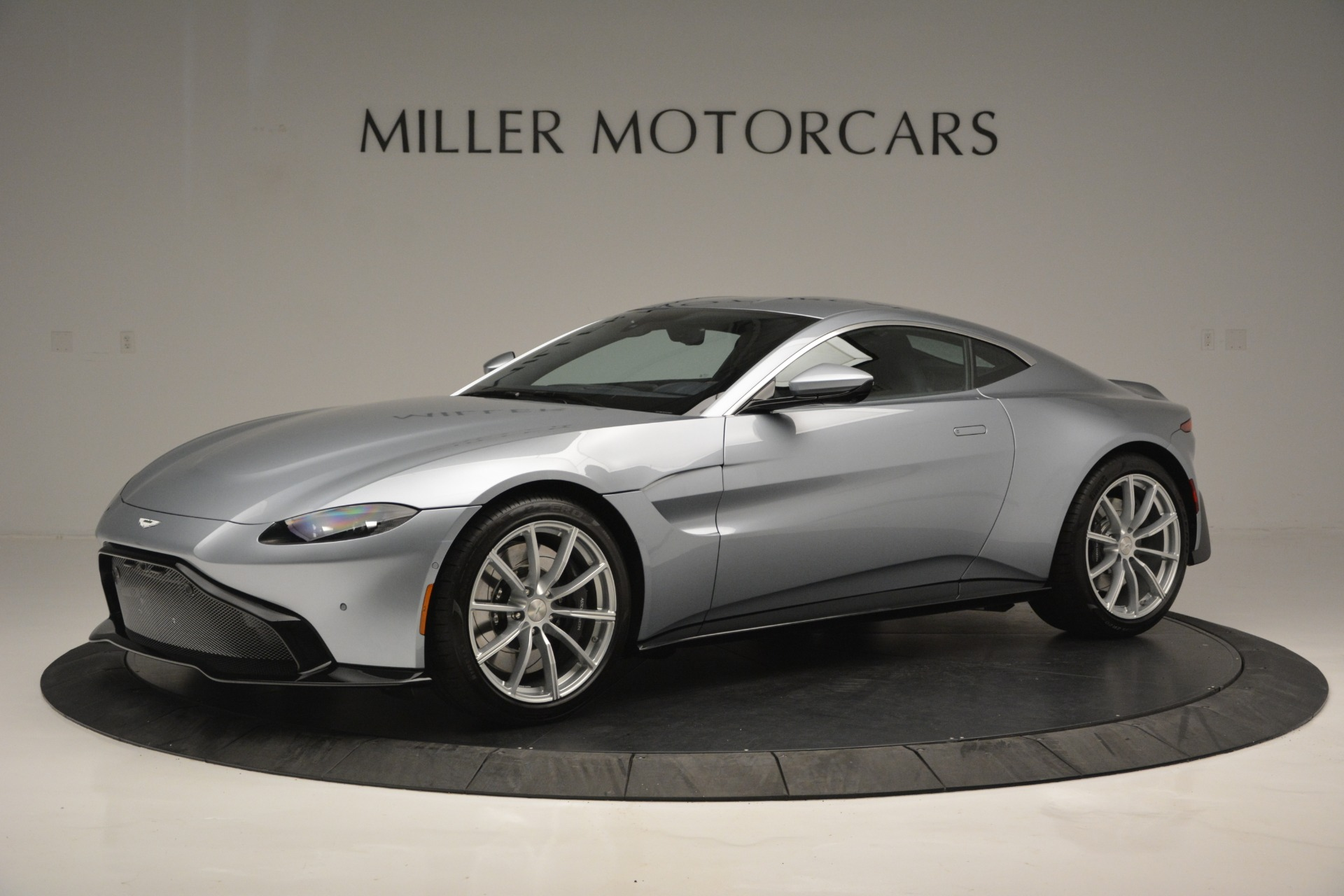 Used 2019 Aston Martin Vantage Coupe for sale $124,900 at Aston Martin of Greenwich in Greenwich CT 06830 1