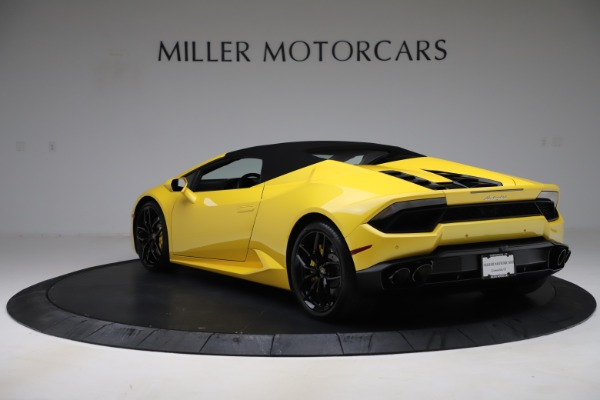 Used 2018 Lamborghini Huracan LP 580-2 Spyder for sale $203,900 at Aston Martin of Greenwich in Greenwich CT 06830 14