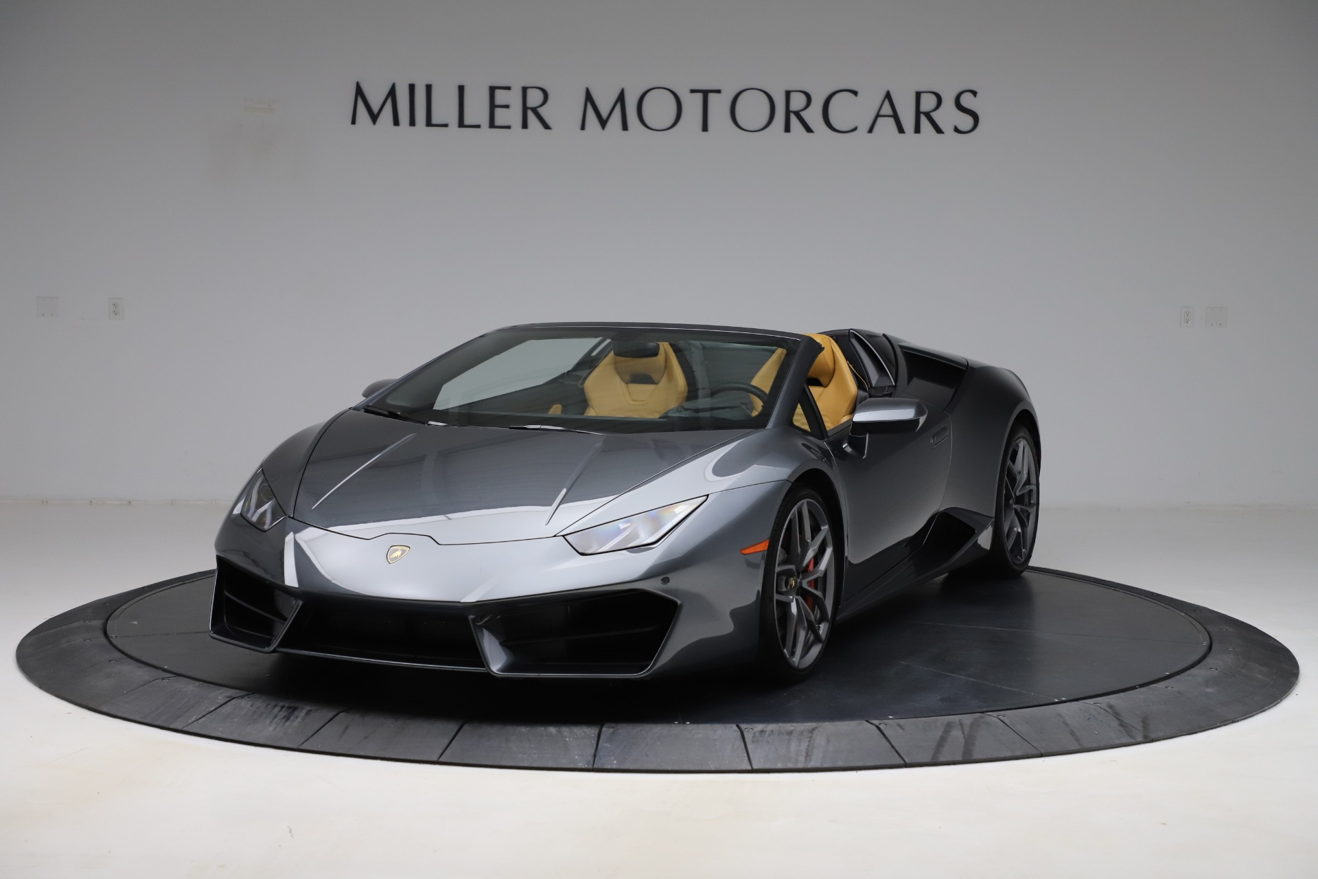 Used 2018 Lamborghini Huracan LP 580-2 Spyder for sale Sold at Aston Martin of Greenwich in Greenwich CT 06830 1