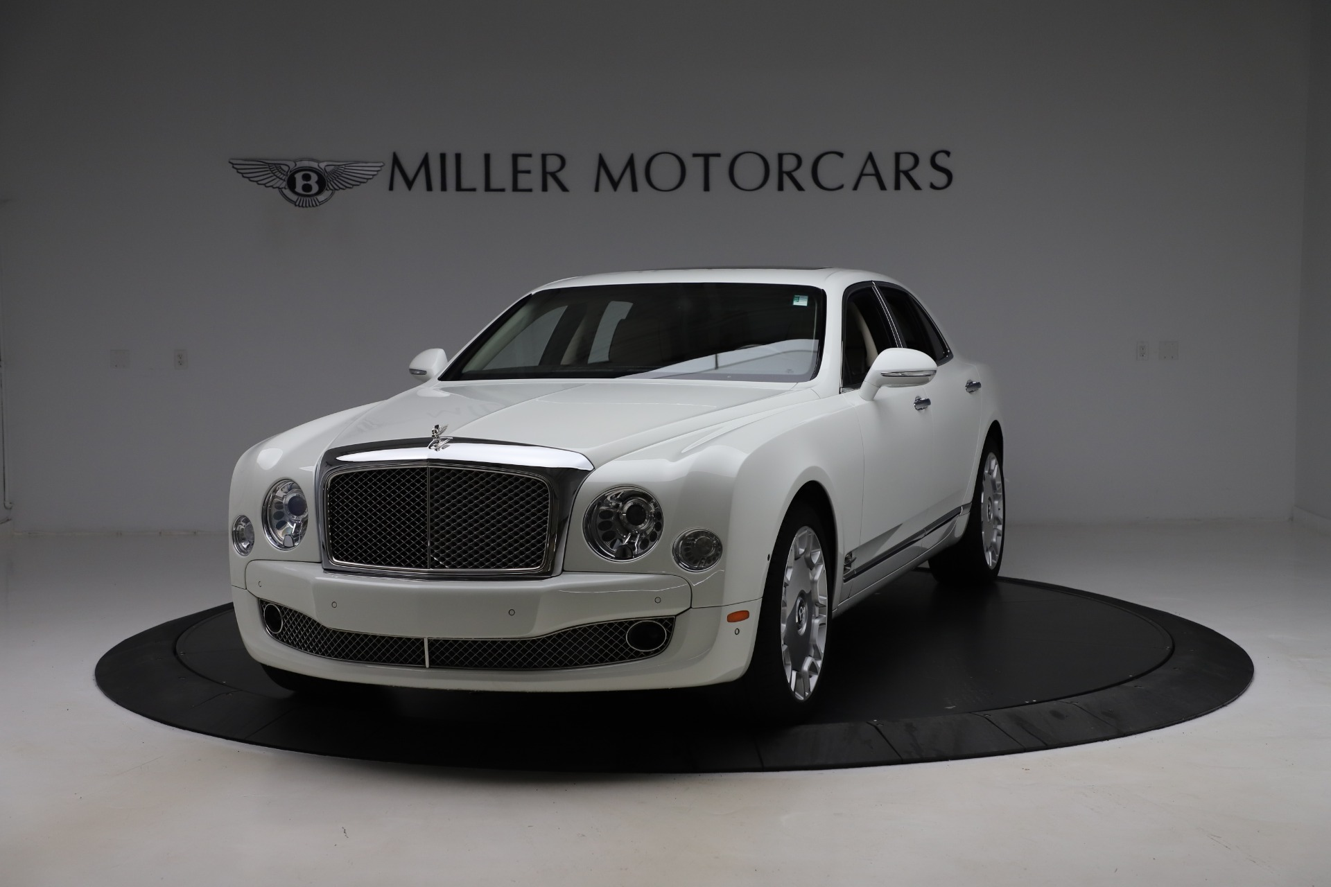 Used 2016 Bentley Mulsanne for sale $145,900 at Aston Martin of Greenwich in Greenwich CT 06830 1