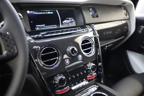 New 2020 Rolls-Royce Cullinan Black Badge for sale Sold at Aston Martin of Greenwich in Greenwich CT 06830 18