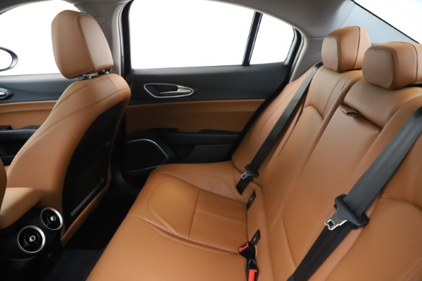 New 2020 Alfa Romeo Giulia Q4 for sale $45,740 at Aston Martin of Greenwich in Greenwich CT 06830 18