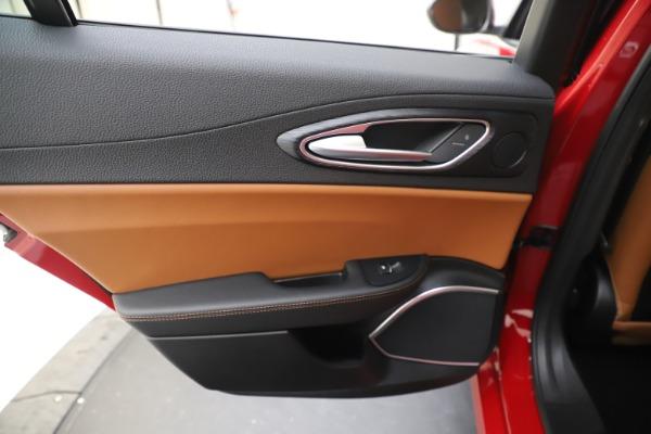 New 2020 Alfa Romeo Giulia Q4 for sale $45,740 at Aston Martin of Greenwich in Greenwich CT 06830 20