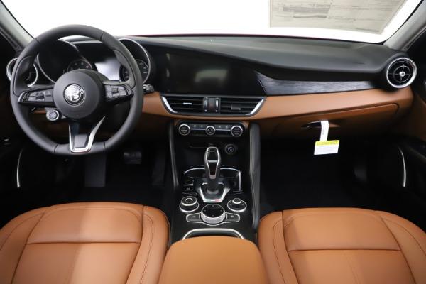 New 2020 Alfa Romeo Giulia Q4 for sale $45,740 at Aston Martin of Greenwich in Greenwich CT 06830 21
