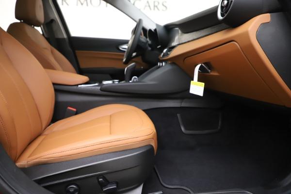 New 2020 Alfa Romeo Giulia Q4 for sale $45,740 at Aston Martin of Greenwich in Greenwich CT 06830 23