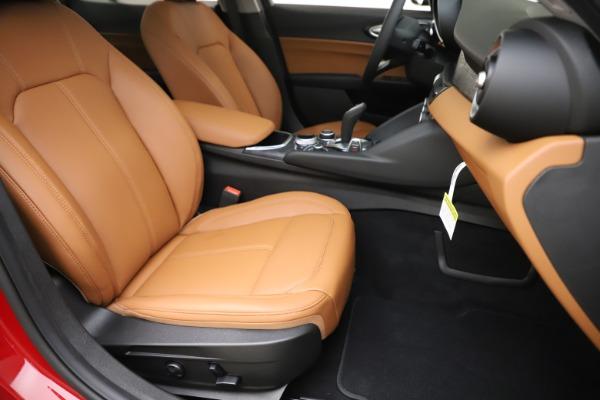 New 2020 Alfa Romeo Giulia Q4 for sale $45,740 at Aston Martin of Greenwich in Greenwich CT 06830 24