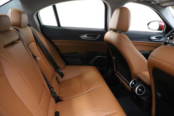 New 2020 Alfa Romeo Giulia Q4 for sale $45,740 at Aston Martin of Greenwich in Greenwich CT 06830 27
