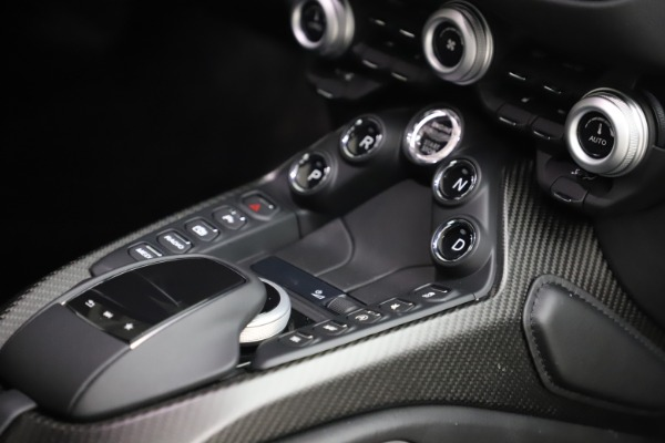 New 2020 Aston Martin Vantage Coupe for sale $184,787 at Aston Martin of Greenwich in Greenwich CT 06830 22