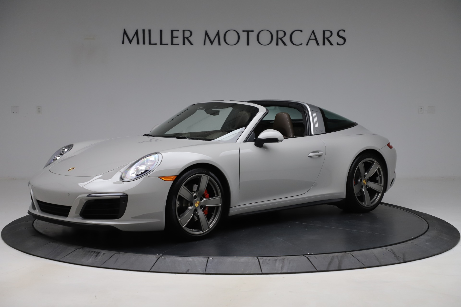 Used 2018 Porsche 911 Targa 4S for sale Sold at Aston Martin of Greenwich in Greenwich CT 06830 1