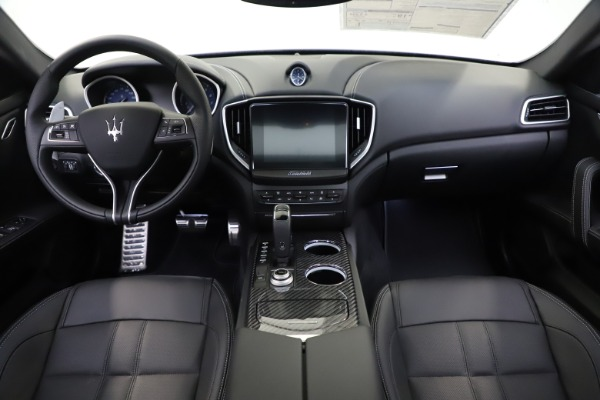New 2020 Maserati Ghibli S Q4 GranSport for sale $90,285 at Aston Martin of Greenwich in Greenwich CT 06830 16