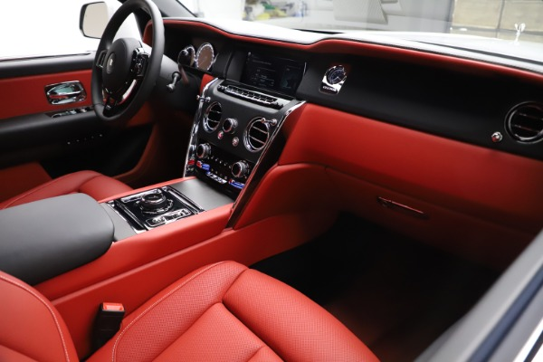 New 2020 Rolls-Royce Cullinan for sale Call for price at Aston Martin of Greenwich in Greenwich CT 06830 14