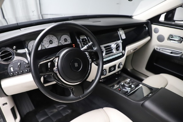 Used 2016 Rolls-Royce Ghost for sale $179,900 at Aston Martin of Greenwich in Greenwich CT 06830 16