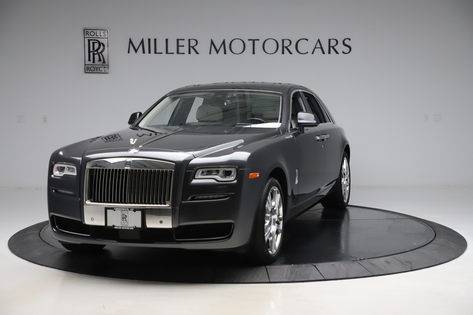 Used 2016 Rolls-Royce Ghost for sale $179,900 at Aston Martin of Greenwich in Greenwich CT 06830 1