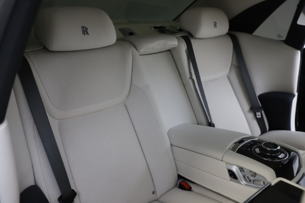 Used 2015 Rolls-Royce Ghost for sale Sold at Aston Martin of Greenwich in Greenwich CT 06830 18
