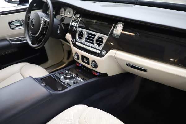 Used 2015 Rolls-Royce Ghost for sale Sold at Aston Martin of Greenwich in Greenwich CT 06830 20
