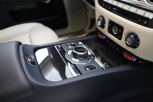 Used 2015 Rolls-Royce Ghost for sale Sold at Aston Martin of Greenwich in Greenwich CT 06830 22