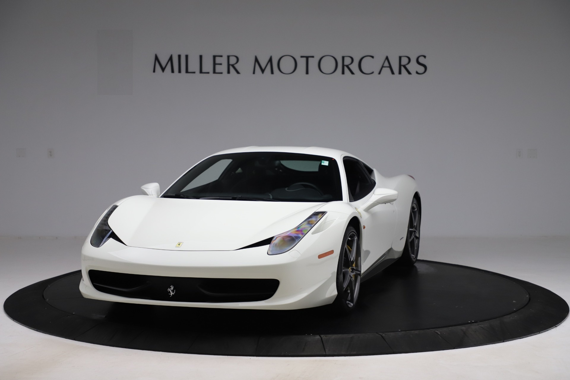 Used 2013 Ferrari 458 Italia for sale $186,900 at Aston Martin of Greenwich in Greenwich CT 06830 1