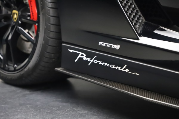 Used 2013 Lamborghini Gallardo LP 570-4 Spyder Performante for sale Sold at Aston Martin of Greenwich in Greenwich CT 06830 28
