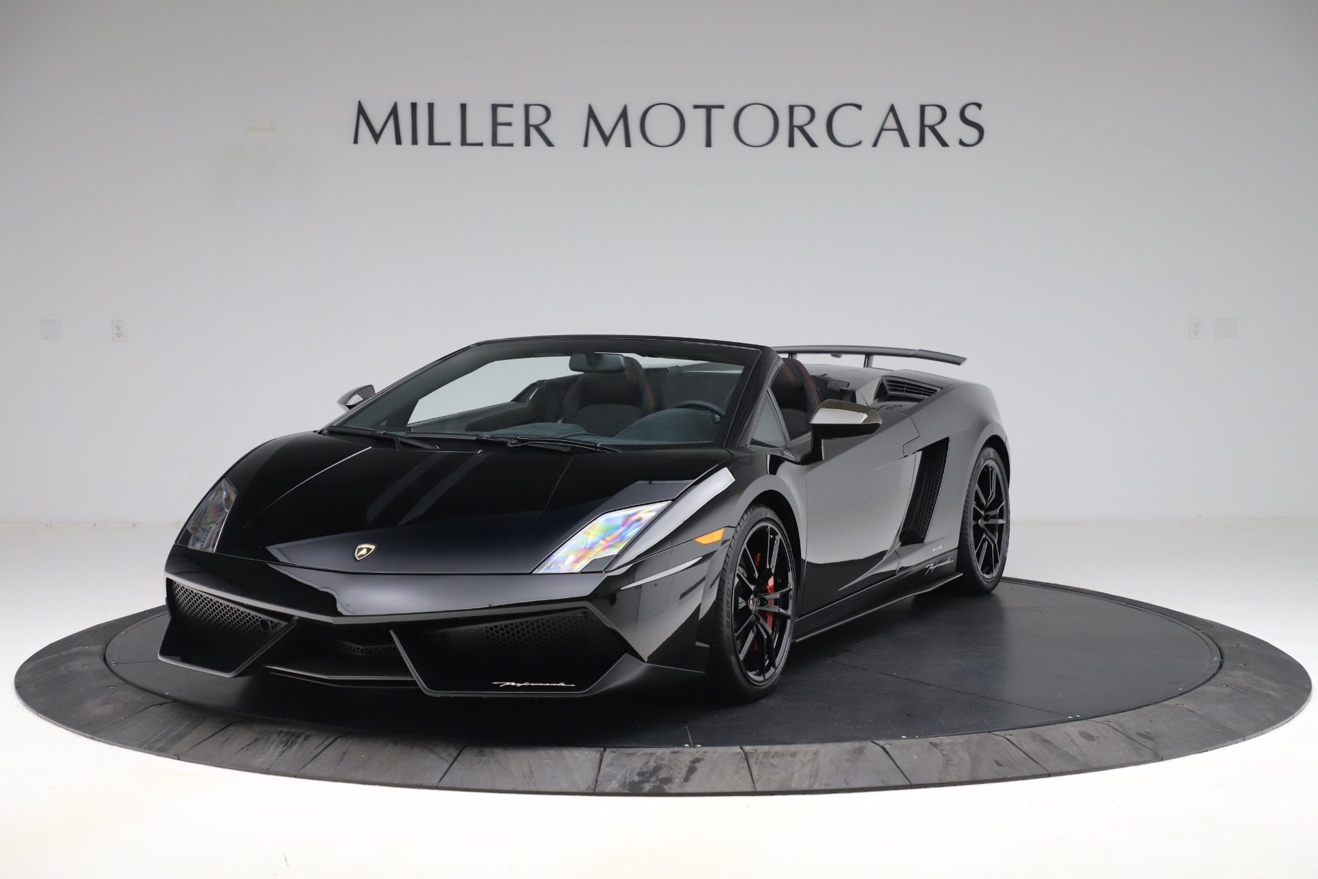 Used 2013 Lamborghini Gallardo LP 570-4 Spyder Performante for sale Sold at Aston Martin of Greenwich in Greenwich CT 06830 1