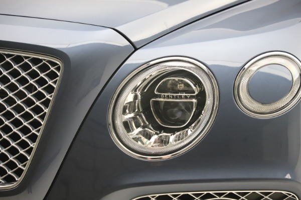 Used 2017 Bentley Bentayga W12 for sale Sold at Aston Martin of Greenwich in Greenwich CT 06830 14
