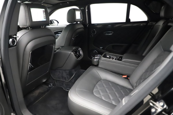 Used 2016 Bentley Mulsanne Speed for sale $149,900 at Aston Martin of Greenwich in Greenwich CT 06830 20
