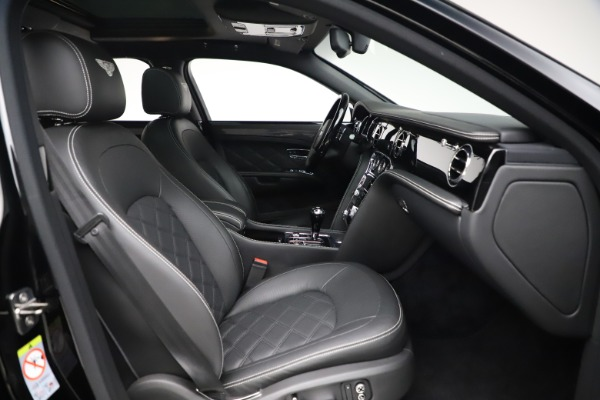 Used 2016 Bentley Mulsanne Speed for sale $149,900 at Aston Martin of Greenwich in Greenwich CT 06830 27