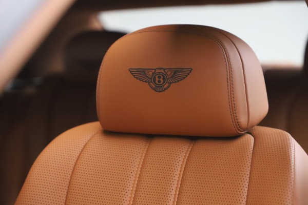 Used 2016 Bentley Flying Spur V8 for sale $114,900 at Aston Martin of Greenwich in Greenwich CT 06830 20