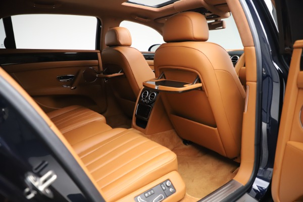 Used 2016 Bentley Flying Spur V8 for sale $114,900 at Aston Martin of Greenwich in Greenwich CT 06830 25