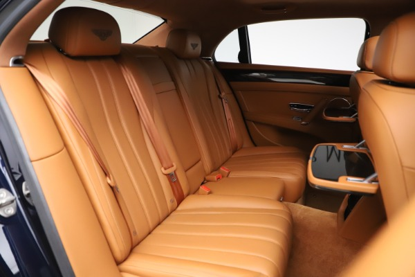 Used 2016 Bentley Flying Spur V8 for sale $114,900 at Aston Martin of Greenwich in Greenwich CT 06830 27