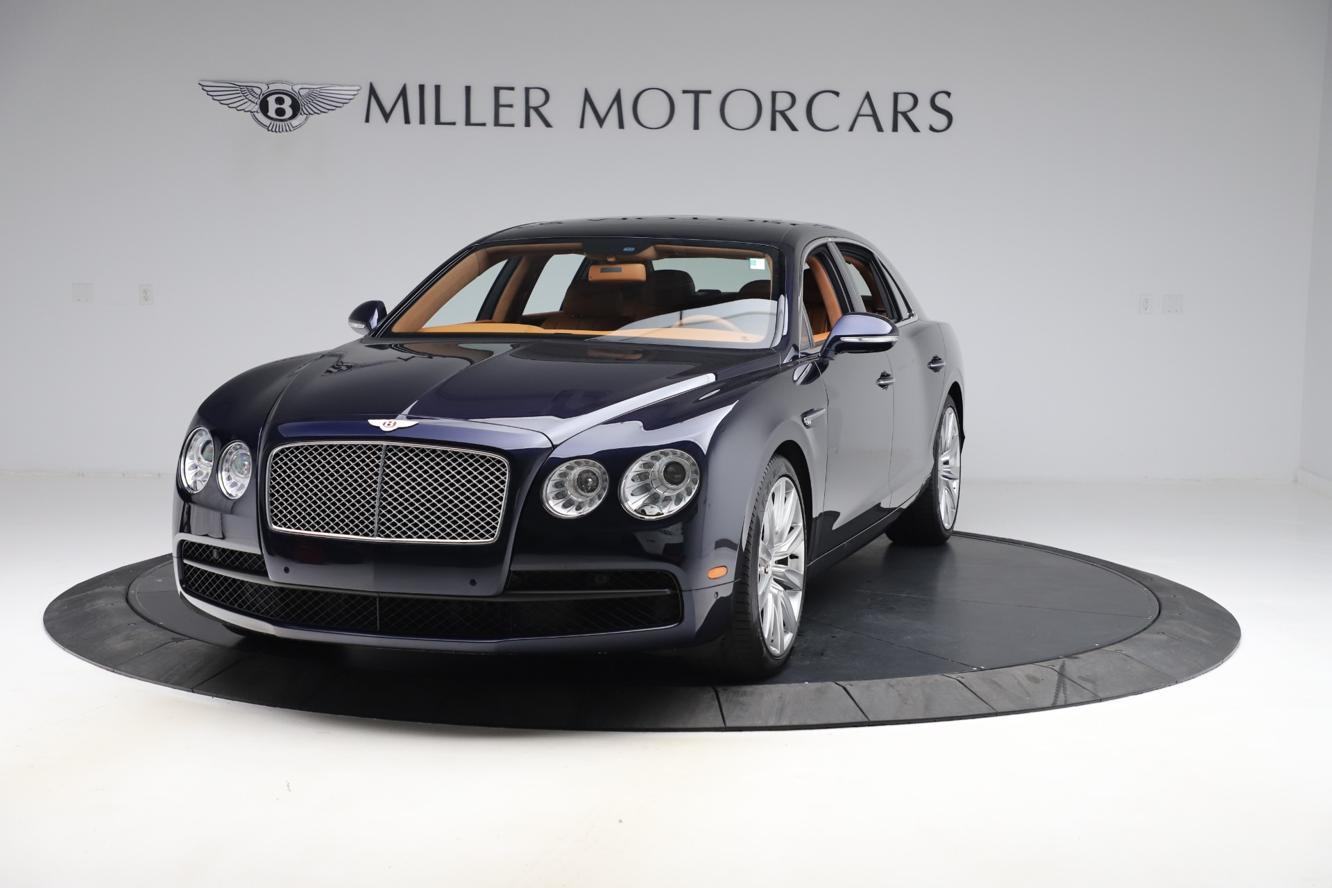 Used 2016 Bentley Flying Spur V8 for sale $114,900 at Aston Martin of Greenwich in Greenwich CT 06830 1