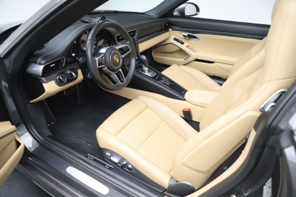Used 2017 Porsche 911 Targa 4S for sale $119,900 at Aston Martin of Greenwich in Greenwich CT 06830 23