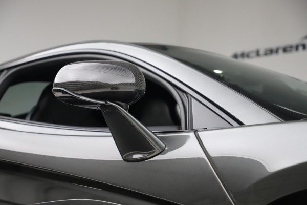 Used 2017 McLaren 570GT for sale $145,900 at Aston Martin of Greenwich in Greenwich CT 06830 16