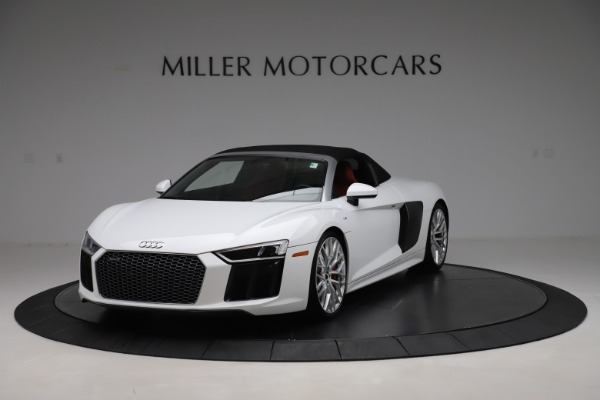 Used 2017 Audi R8 5.2 quattro V10 Spyder for sale $138,900 at Aston Martin of Greenwich in Greenwich CT 06830 13