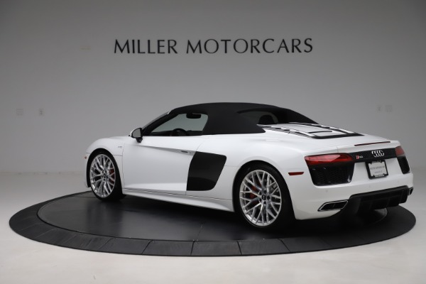 Used 2017 Audi R8 5.2 quattro V10 Spyder for sale $138,900 at Aston Martin of Greenwich in Greenwich CT 06830 15
