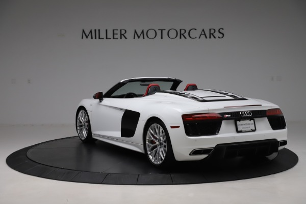 Used 2017 Audi R8 5.2 quattro V10 Spyder for sale $138,900 at Aston Martin of Greenwich in Greenwich CT 06830 5