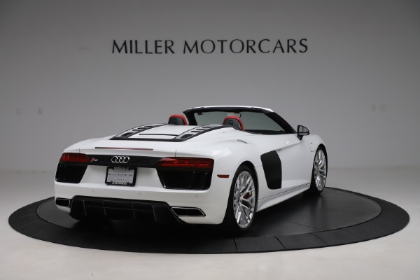 Used 2017 Audi R8 5.2 quattro V10 Spyder for sale $138,900 at Aston Martin of Greenwich in Greenwich CT 06830 7
