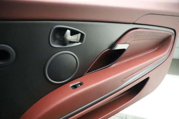 New 2020 Aston Martin DB11 Volante Convertible for sale $263,681 at Aston Martin of Greenwich in Greenwich CT 06830 25