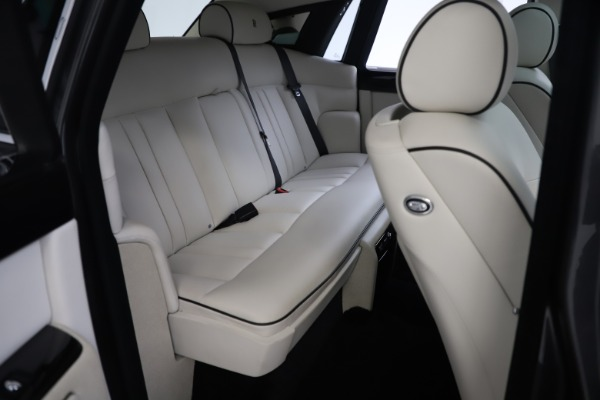 Used 2013 Rolls-Royce Phantom for sale Sold at Aston Martin of Greenwich in Greenwich CT 06830 20