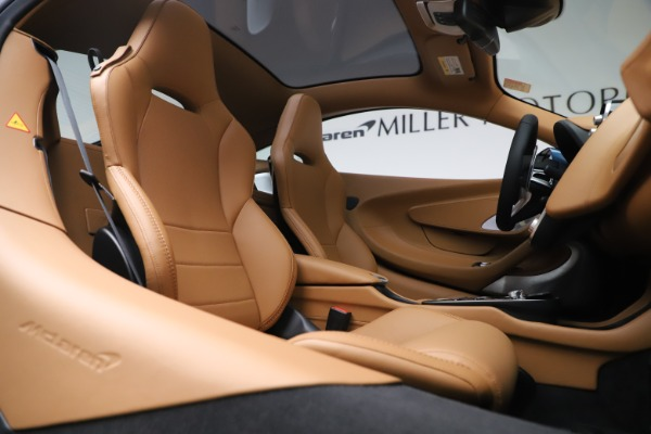 Used 2020 McLaren GT Luxe for sale Call for price at Aston Martin of Greenwich in Greenwich CT 06830 21
