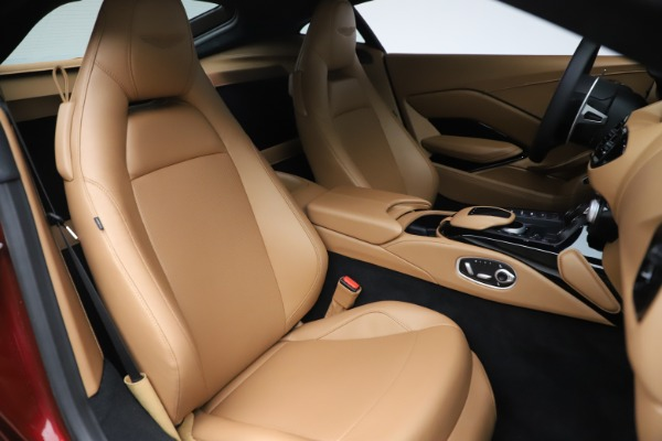 New 2020 Aston Martin Vantage Coupe for sale $185,991 at Aston Martin of Greenwich in Greenwich CT 06830 19