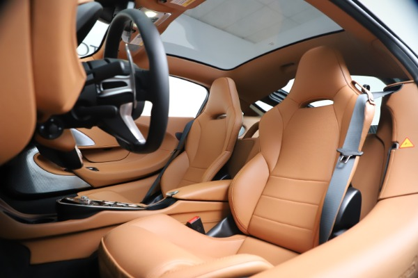 New 2020 McLaren GT Luxe for sale $244,675 at Aston Martin of Greenwich in Greenwich CT 06830 17
