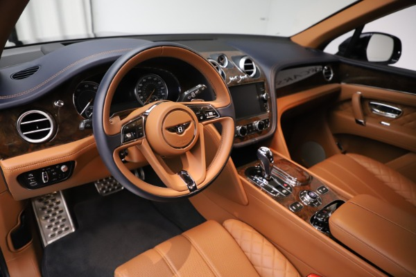 Used 2017 Bentley Bentayga W12 for sale $135,900 at Aston Martin of Greenwich in Greenwich CT 06830 13