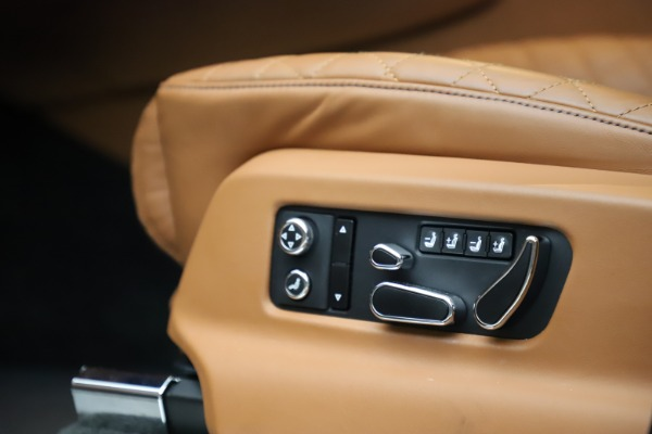 Used 2017 Bentley Bentayga W12 for sale $135,900 at Aston Martin of Greenwich in Greenwich CT 06830 27