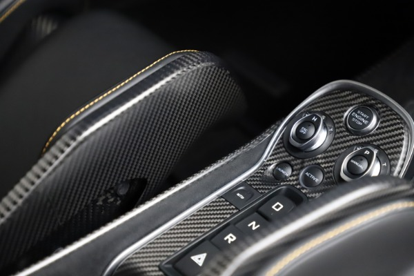 Used 2019 McLaren 600LT for sale $255,900 at Aston Martin of Greenwich in Greenwich CT 06830 23
